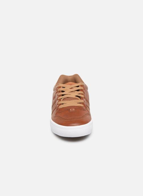 Chaussures de sport Globe Encore 2 Marron vue portées chaussures