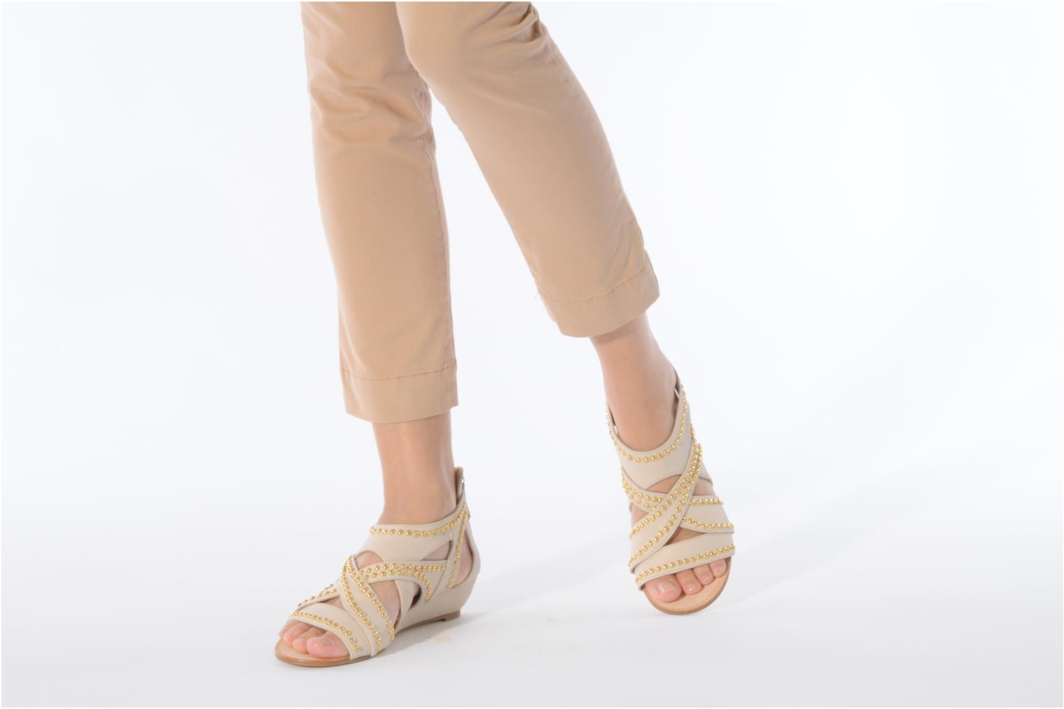 Sandals Carvela Kurly Beige view from underneath / model view