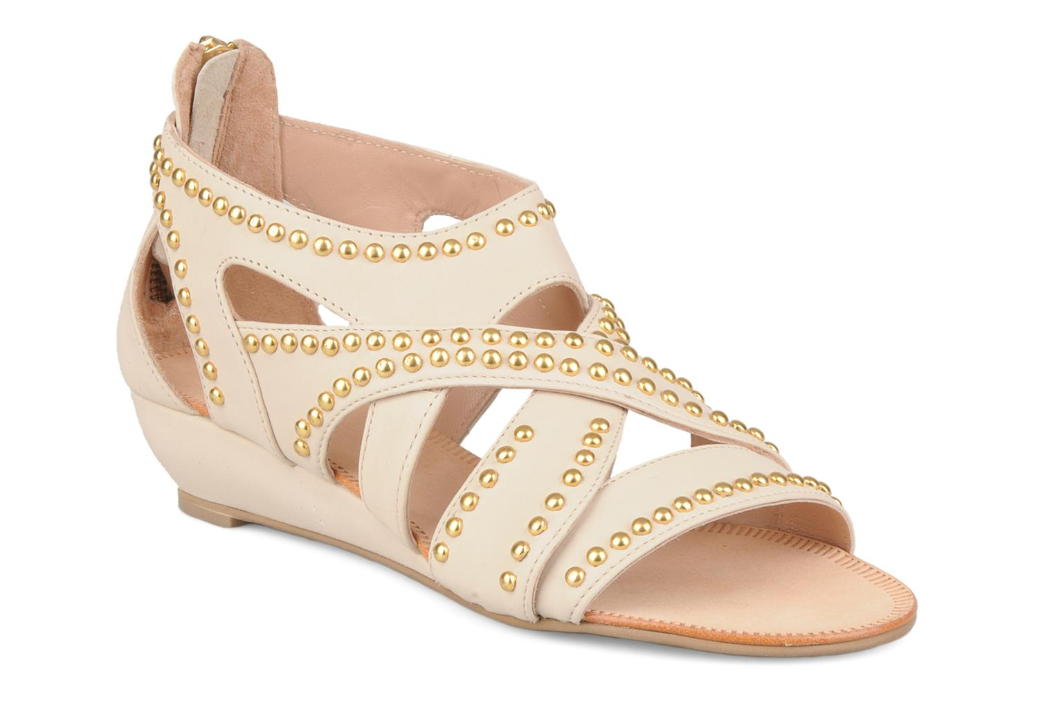 Sandals Carvela Kurly Beige detailed view/ Pair view