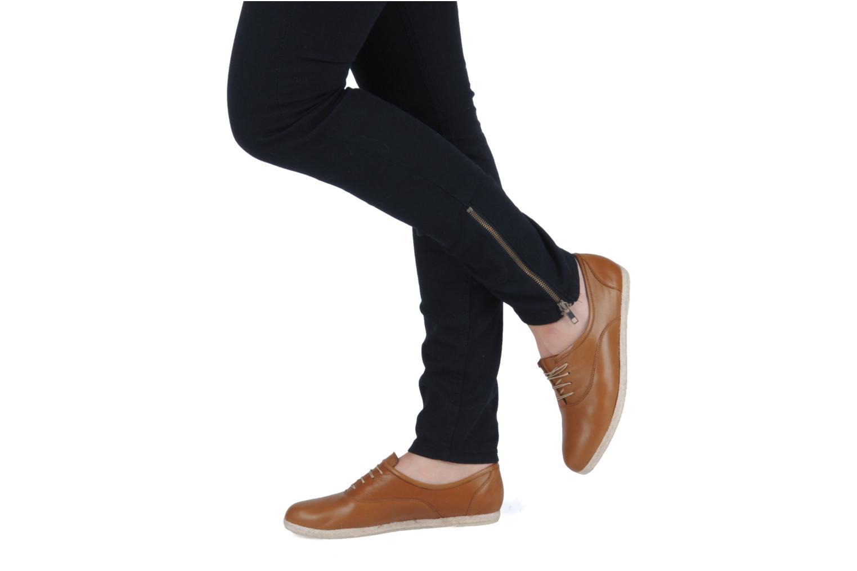 Chaussures à lacets Zespà Salhia Marron vue bas / vue portée sac