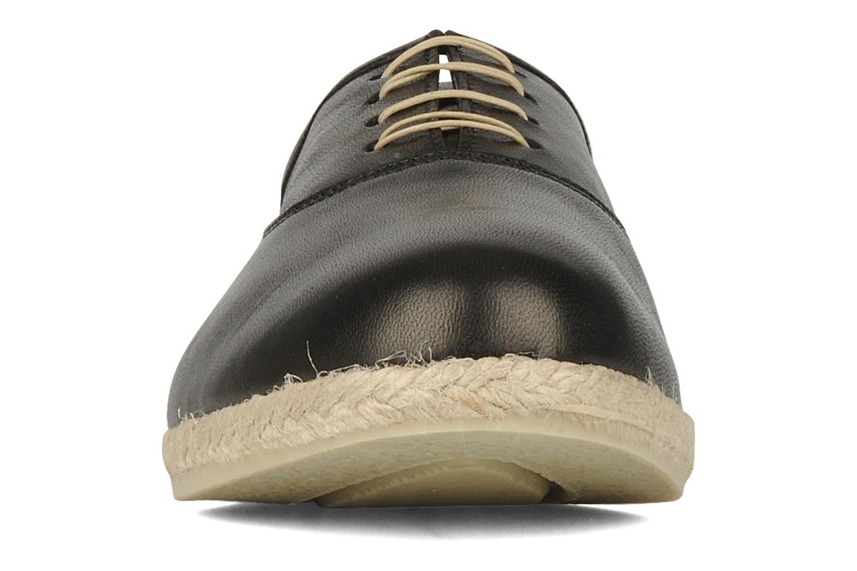 Snøresko Zespà Salhia Sort se skoene på
