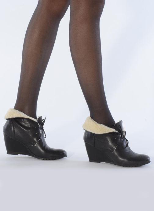 Bottines et boots Eden Mimia Noir vue bas / vue portée sac