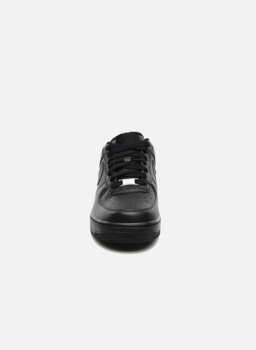 Baskets Nike Air force 1 '07 le Noir vue portées chaussures