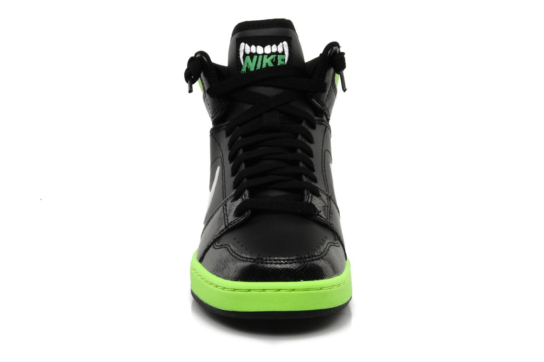 Baskets Nike Nike backboard high si bg Noir vue portées chaussures