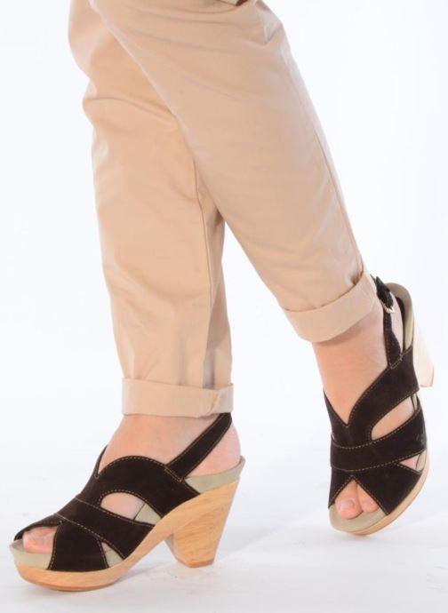Sandalen Kalso Earth Monaco braun ansicht von unten / tasche getragen