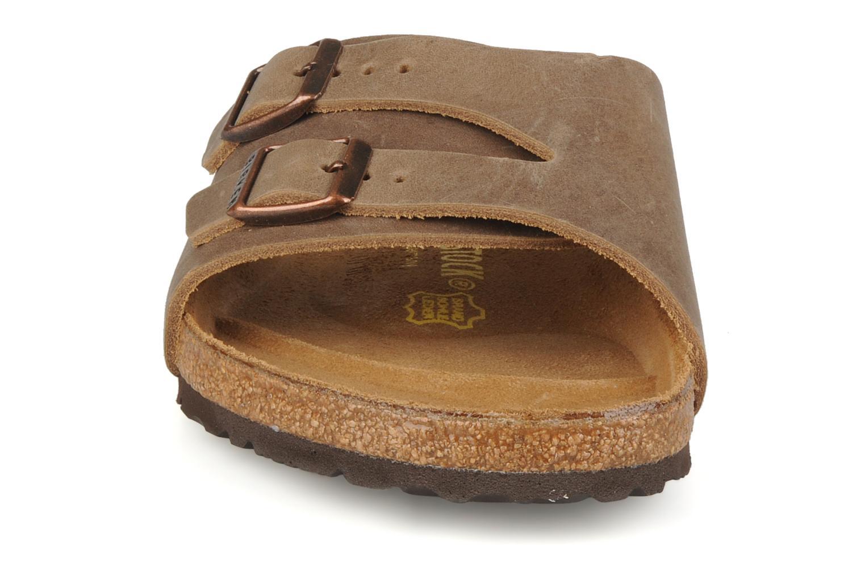 Sandales et nu-pieds Birkenstock Vaduz cuir m Marron vue portées chaussures