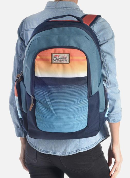 Rucksacks Quiksilver Schoolie M Backpack Black view from underneath / model view