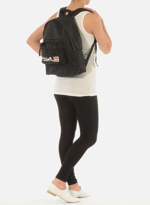 Rucksäcke Quiksilver Schoolie M Backpack schwarz ansicht von unten / tasche getragen