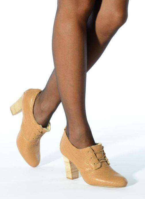 Chaussures à lacets Mellow Yellow Kony Beige vue bas / vue portée sac