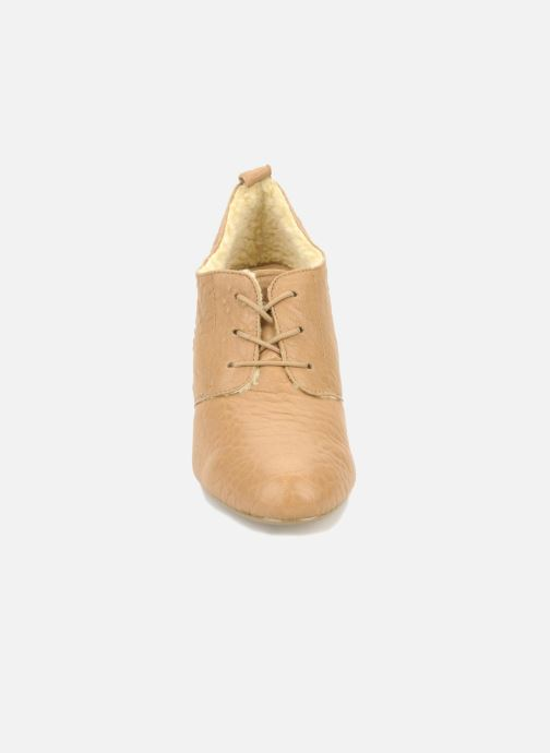 Lace-up shoes Mellow Yellow Kony Beige model view