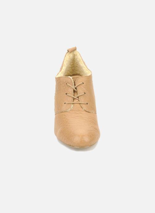 Zapatos con cordones Mellow Yellow Kony Beige vista del modelo