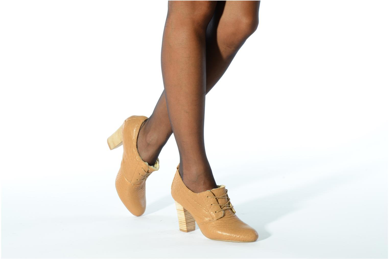 Snörade skor Mellow Yellow Kony Beige bild från under