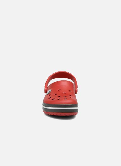 Sandali e scarpe aperte Crocs Crocband kids Rosso modello indossato