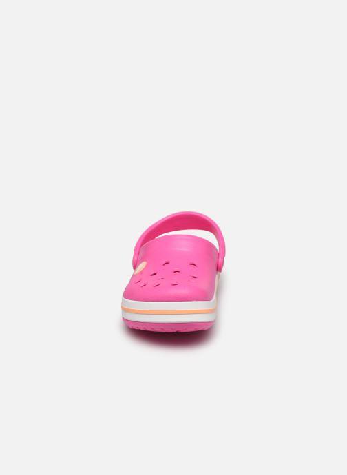 Sandali e scarpe aperte Crocs Crocband kids Rosa modello indossato