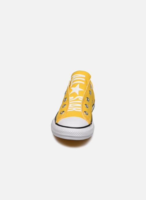 Baskets Converse Chuck Taylor All Star Slip On Ox K Jaune vue portées chaussures