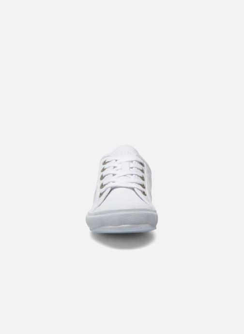 Sneakers TBS Opiace Bianco modello indossato