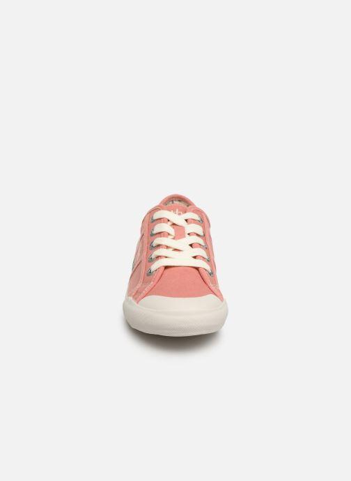 Sneakers TBS Opiace Rosa modello indossato