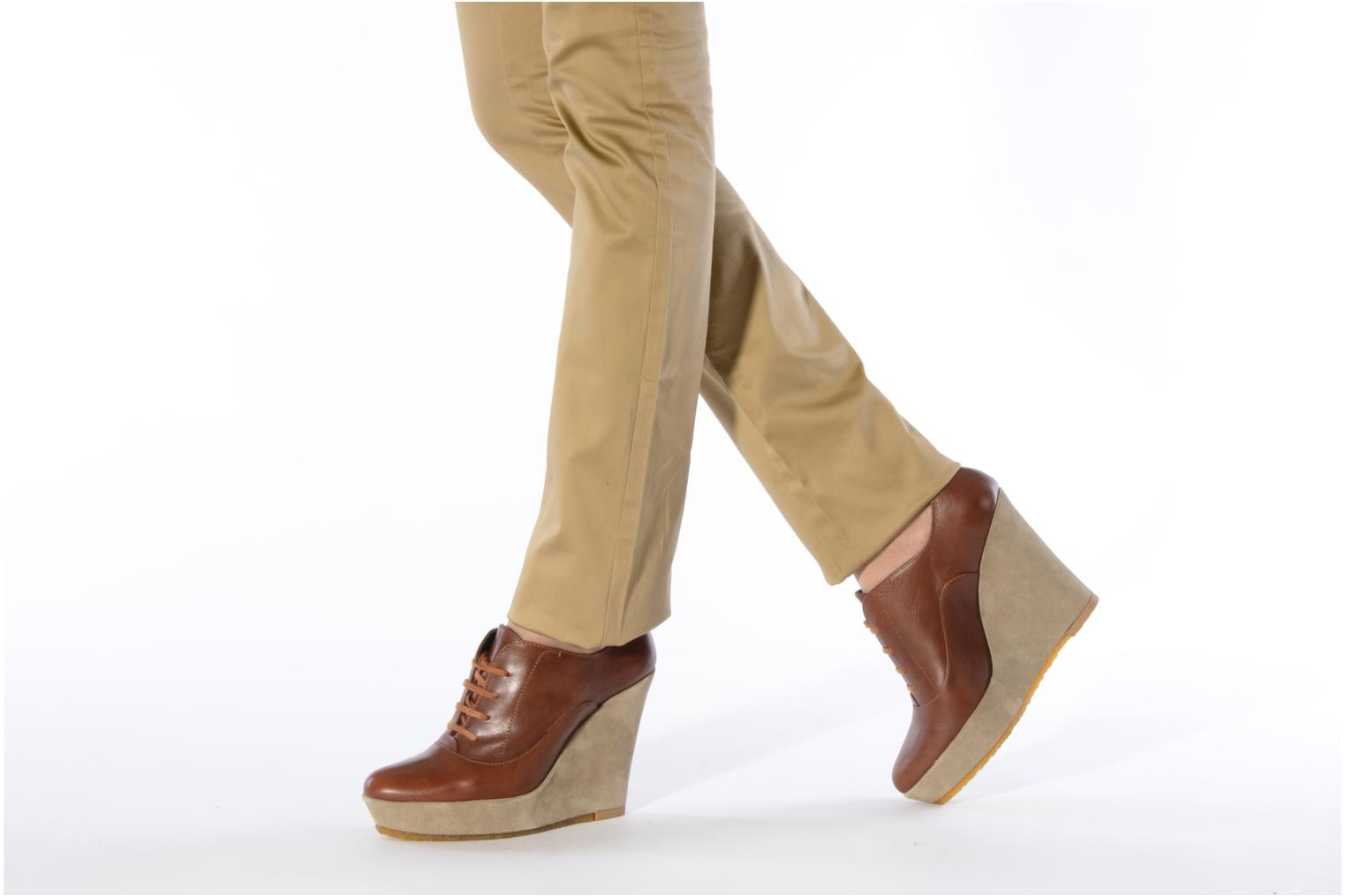 Lace-up shoes Castaner Fusta Brown view from underneath / model view