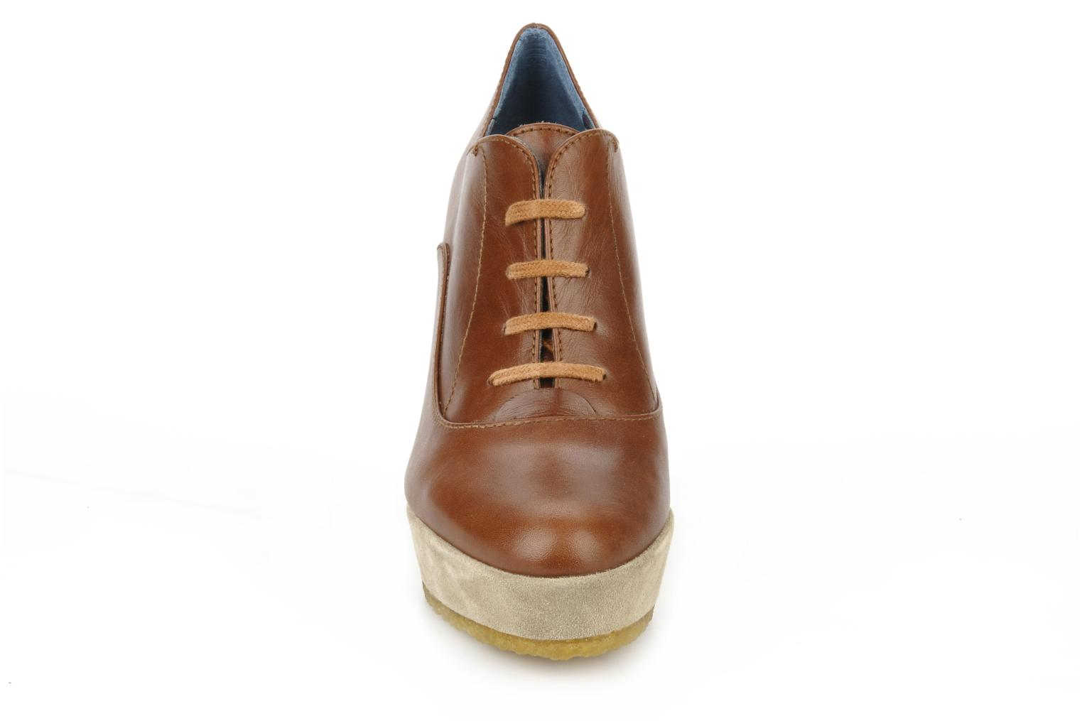 Lace-up shoes Castaner Fusta Brown model view
