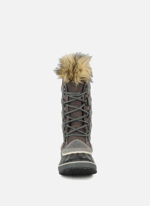 Chaussures de sport Sorel Joan of artic Gris vue portées chaussures