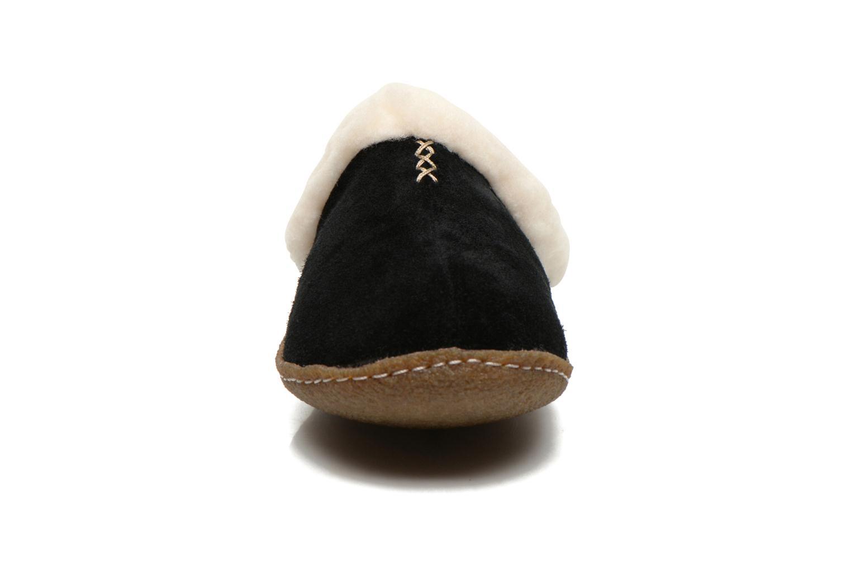 Slippers Sorel Nakiska slide Black model view