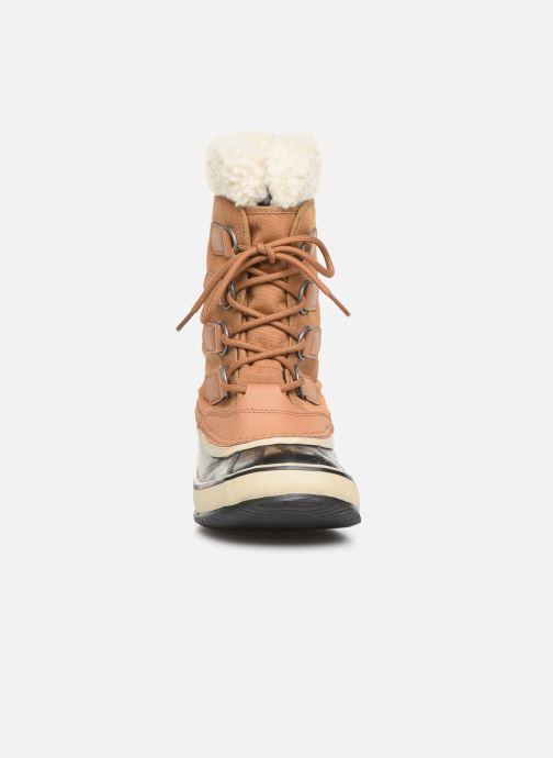 Chaussures de sport Sorel Winter Carnival Marron vue portées chaussures