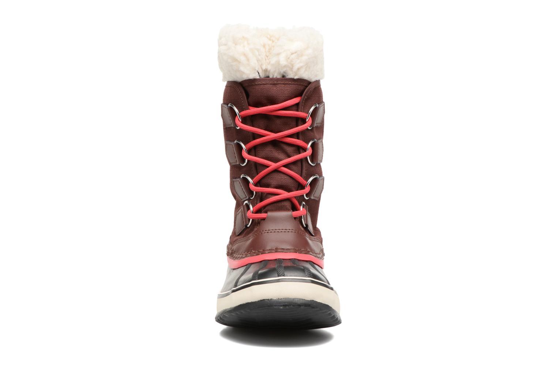 Chaussures de sport Sorel Winter Carnival Bordeaux vue portées chaussures