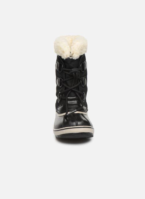 Scarpe sportive Sorel Yoot Pac Nylon Nero modello indossato