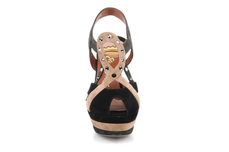 Sandales et nu-pieds Ernesto Esposito Estevana Noir vue portées chaussures