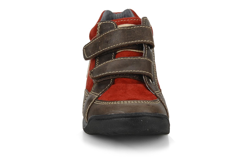 Sneaker Naturino Rilo braun schuhe getragen