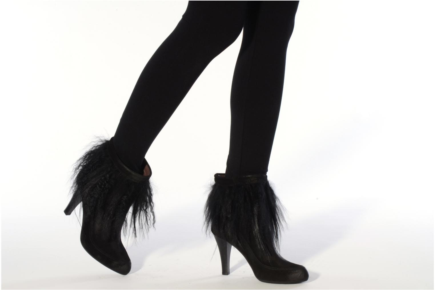 Ankle boots Janet & Janet Preziosa Black view from underneath / model view