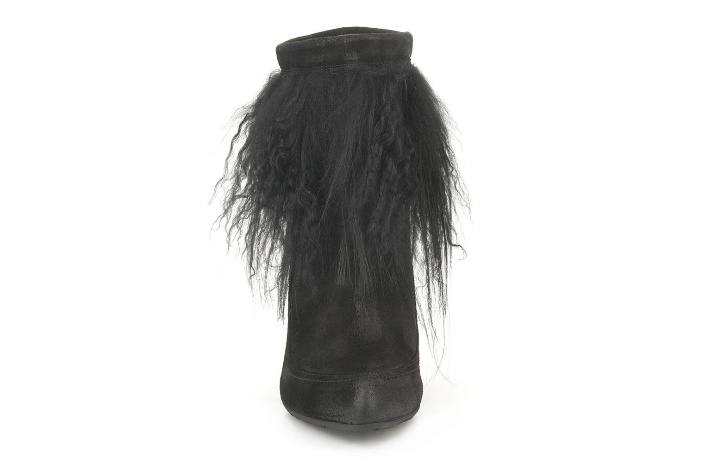 Ankle boots Janet & Janet Preziosa Black model view