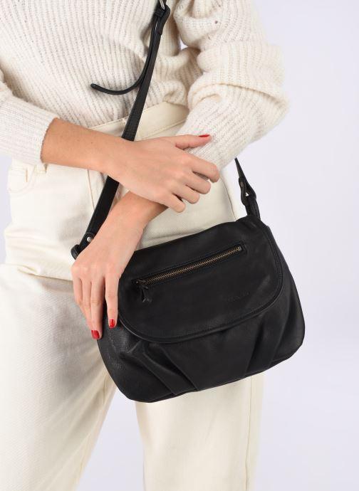 Handtaschen Nat & Nin Jen schwarz ansicht von unten / tasche getragen
