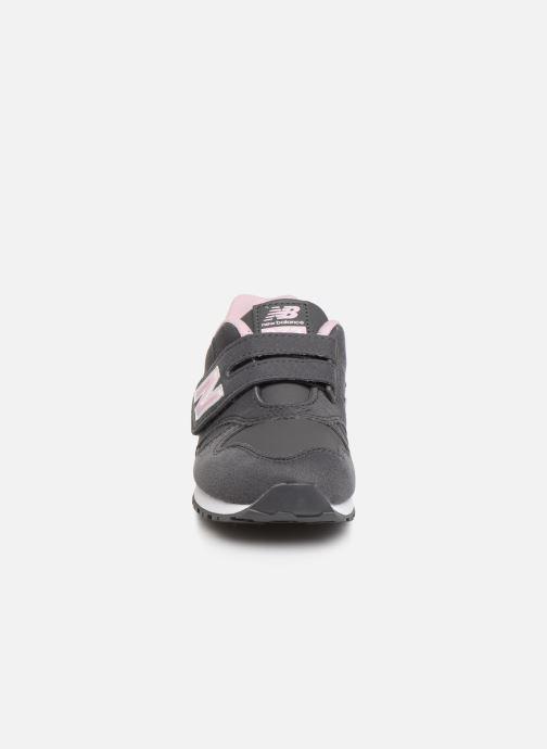 Sneaker New Balance Kv373 grau schuhe getragen
