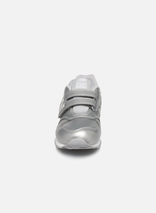 Baskets New Balance Kv373 Argent vue portées chaussures