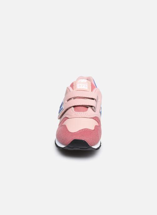 Baskets New Balance Kv373 Rose vue portées chaussures