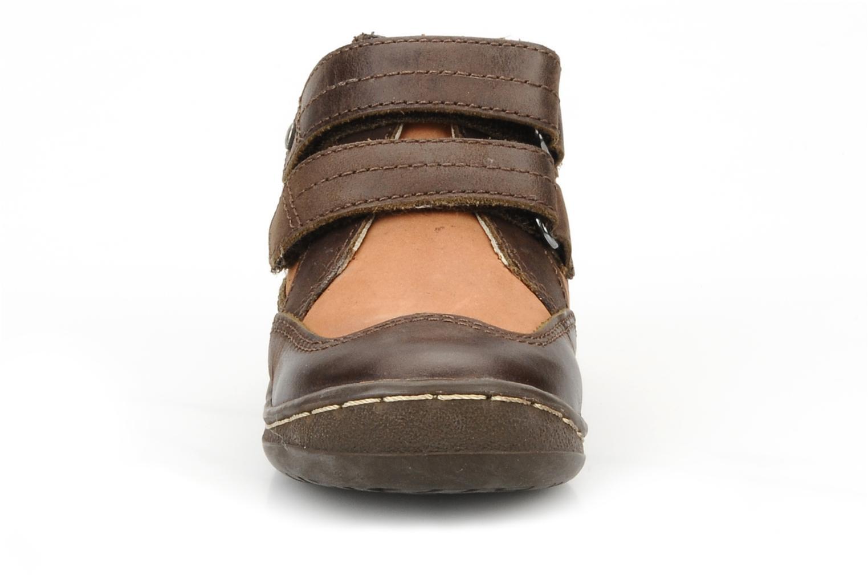 Chaussures à scratch Kickers Maellig Marron vue portées chaussures
