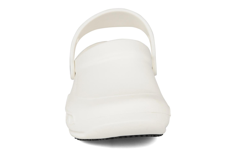 Mules et sabots Crocs Bistro w Blanc vue portées chaussures