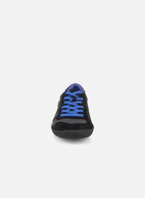 Baskets Kickers Optimum Noir vue portées chaussures