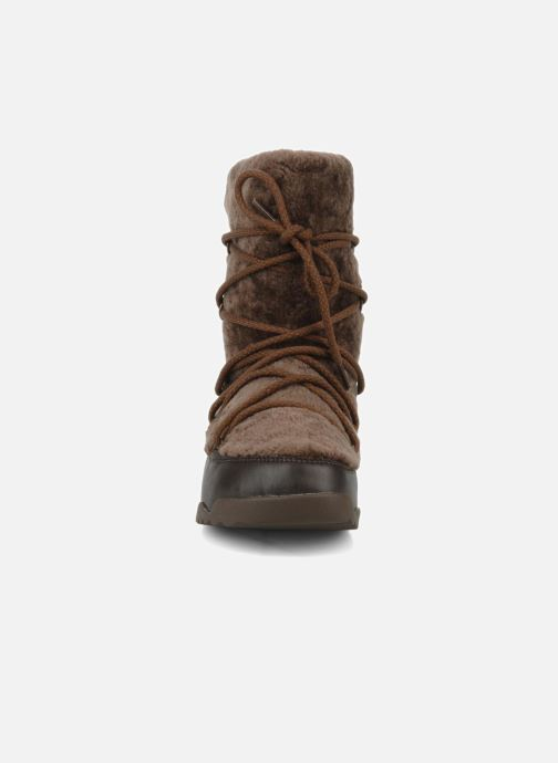 Ankle boots FitFlop Super blizz Brown model view