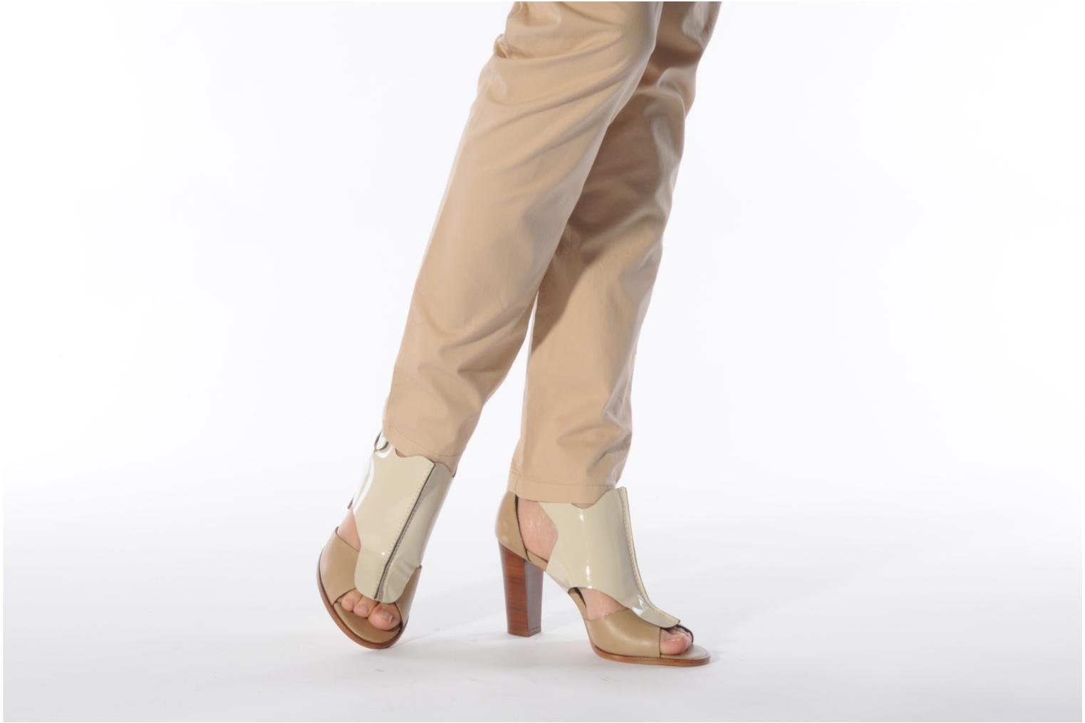 Sandals Tila March Sandal patch Beige view from underneath / model view
