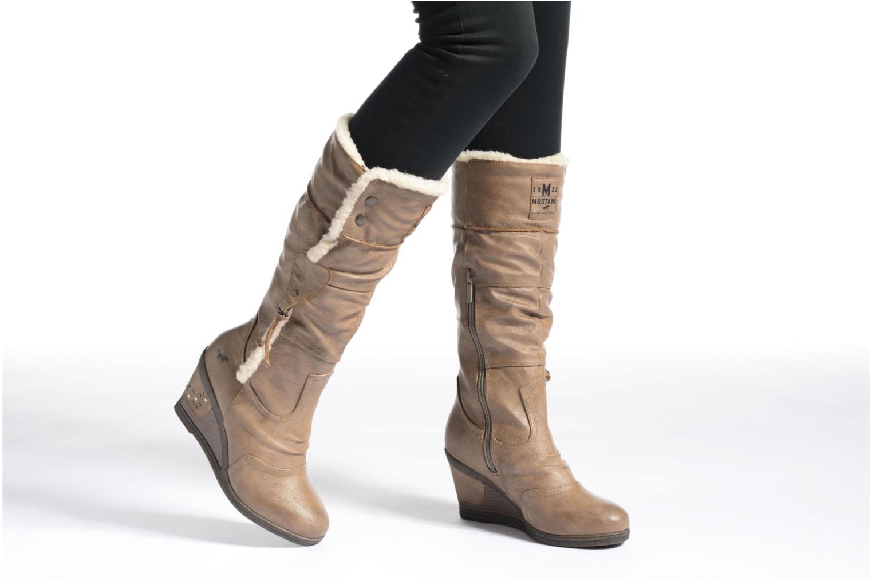 Bottes Mustang shoes Jessia Beige vue bas / vue portée sac