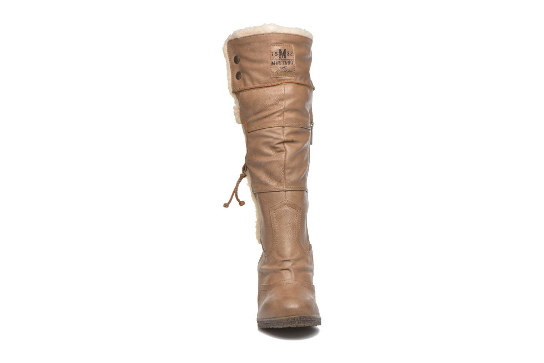 Bottes Mustang shoes Jessia Beige vue portées chaussures
