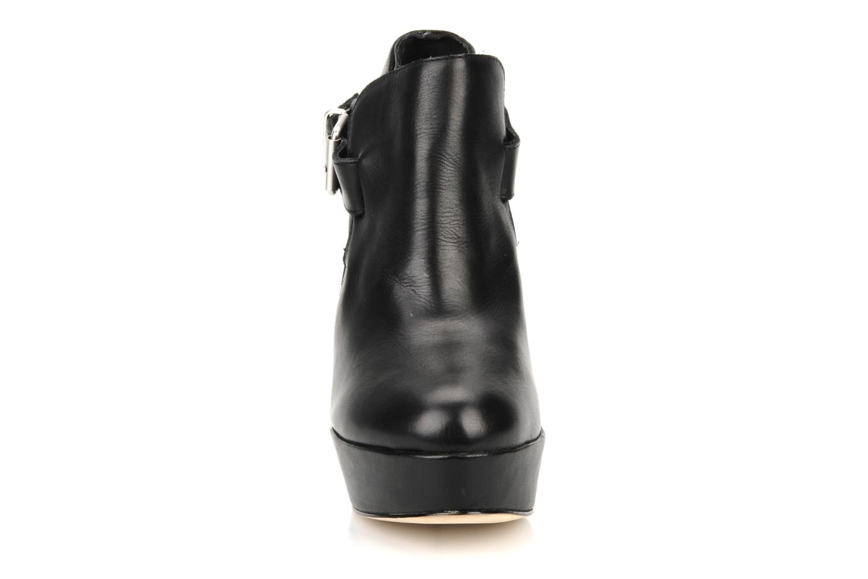 Boots en enkellaarsjes Pour La Victoire Amael Zwart model