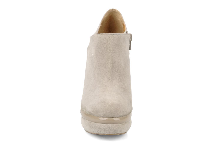 Stiefeletten & Boots Kelsi Dagger Odessa beige schuhe getragen