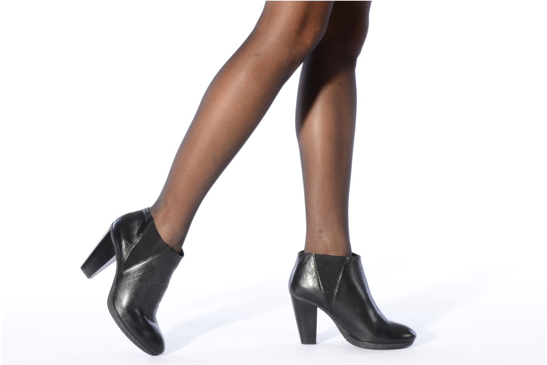 Bottines et boots Carvela Arthur Noir vue bas / vue portée sac