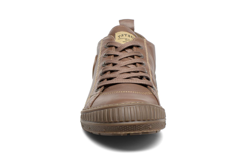 Baskets Pataugas Rock Marron vue portées chaussures