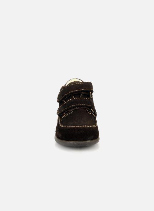 Zapatos con velcro Primigi Rusty Marrón vista del modelo