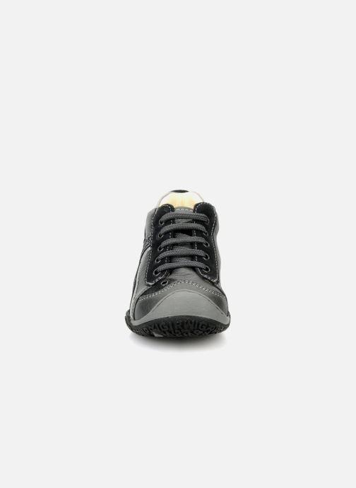 Sneakers Primigi Gerolamo Grigio modello indossato