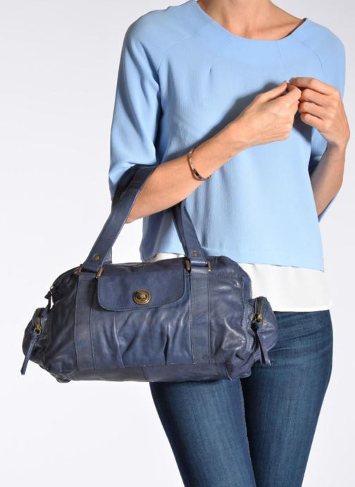 Bolsos de mano Pieces Totally Royal leather Small bag Negro vista de abajo